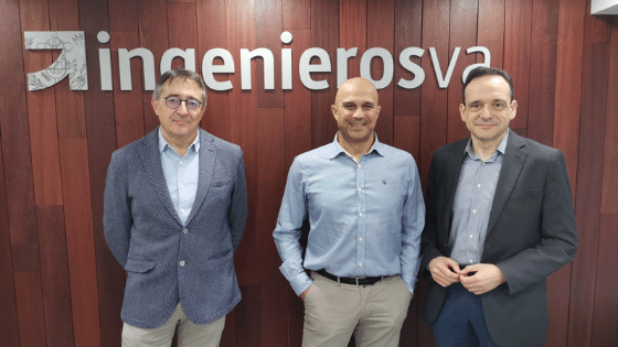 Ricardo Fortuoso, Enrique Cobreros de AEICE con Javier Escribano decano de ingenierosVA