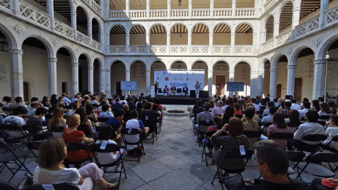 Mujer e ingeniería en el Palacio Santa Cruz - ingenierosVA