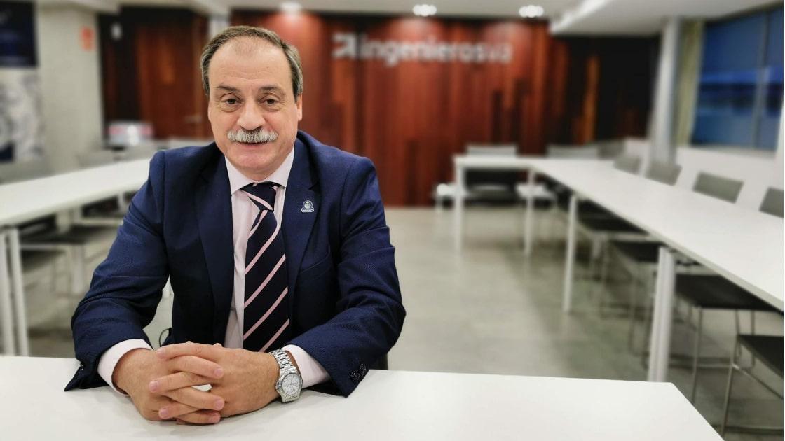 Saluda decano Rafael Álvarez ingenierosVA