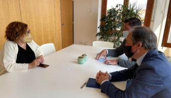 Rafael Alvarez, decano de ingenierosVA con la concejala de Innovación Charo Chavez